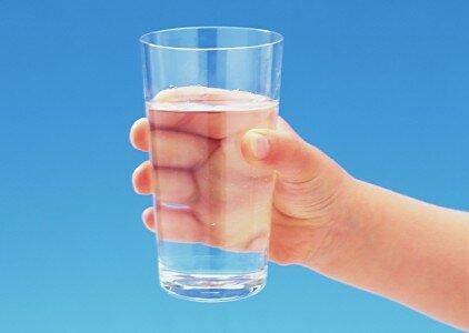Важно во время диеты пить много жидкости!