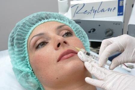 Как проходит процедура контурной пластики лица и каковы ее преимущества?