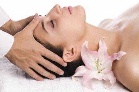 Косметический массаж лица – лучший способ сохранить молодость