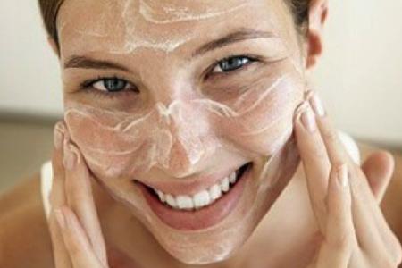 Детское мыло и кальция хлорид – пилинг салонного уровня у вас дома