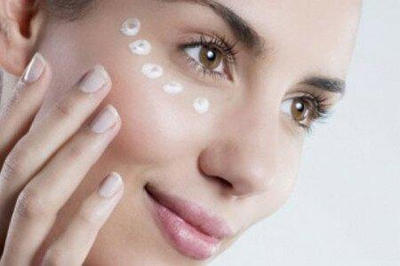 Как выбрать средство для ухода за кожей в области глаз?