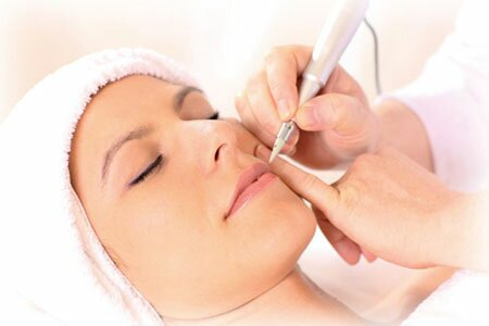 Как проходит создание перманентного макияжа губ