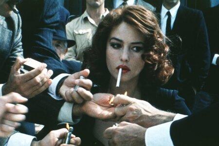 Причина курения - желание привлечь мужское внимание, результат – потеря его