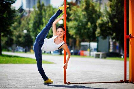 Упражнения для растяжки на шпагат для начинающих