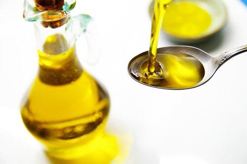 Что необходимо знать при применении касторового масла на лице