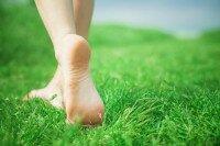 Трещины на пятках: лечение в домашних условиях