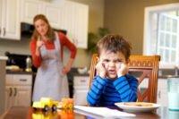 Как заставить ребенка слушаться и нужно ли это делать